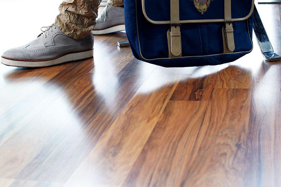 Elegance wood © Pixel Planet Design