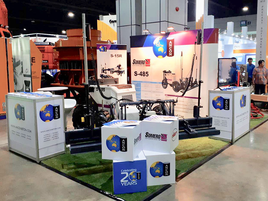 2-sided backdrop display open booth © Pixel Planet Design