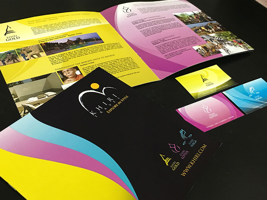Travel agency brand brochure © Pixel Planet Design